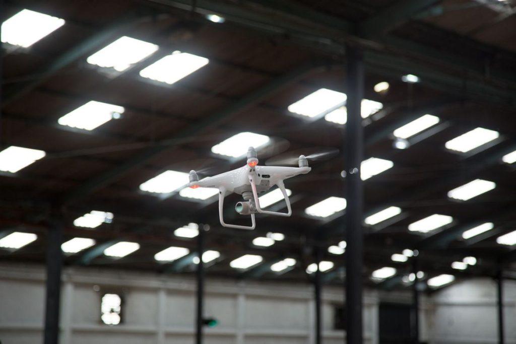 đánh giá flycam phantom 4 pro
